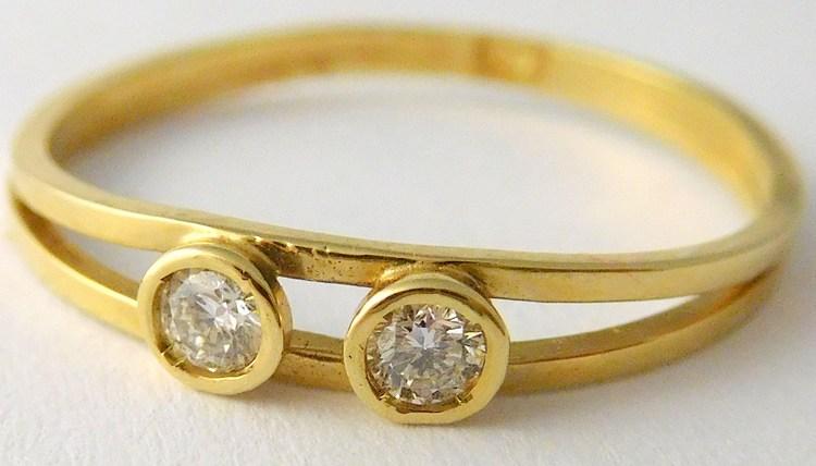 Zlatý diamantový prsten s brilianty (symbol 2 děti) 585/1,02gr vel.55 J-16615-01