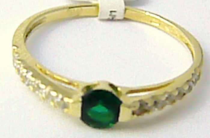 Zásnubní zlatý prstýnek se zeleným smaragdem vel. 51 585/1,22gr P613