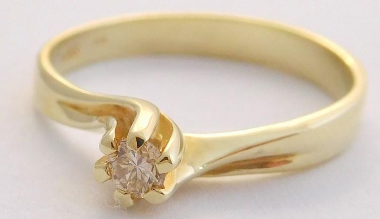 Zásnubní zlatý diamantový prsten s diamantem vel. 53 585/2,24gr 17-01 209 (17-01 209 - POŠTOVNÉ ZDARMA!!! SKLADEM IHNED ODESÍLÁME!!)
