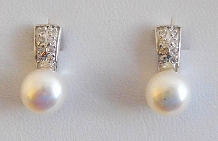 Stříbrné náušnice se zirkony a pravými kultivovanými perlami PAVONA 21001.1 f2a8c5f2205