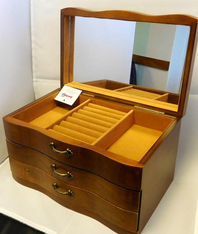 Dřevěná třípatrová hnědá šperkovnice se šuplíčky 66800 s velkým zrcadlem (třípatrová šperkovnice)