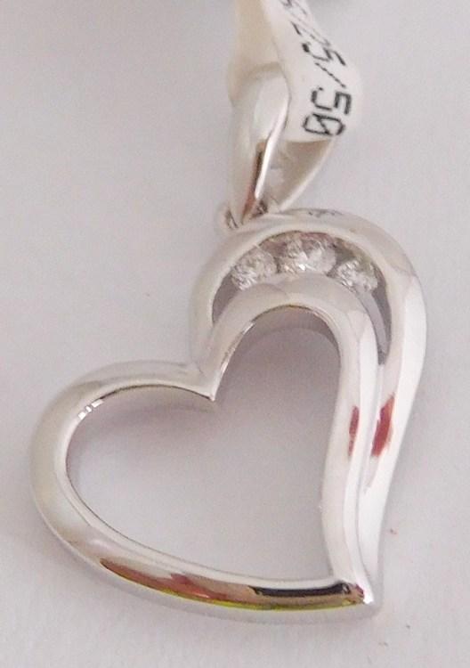 Diamantový zlatý přívěsek z bílého zlata - srdíčko s brilianty 585/1,05g 3870085 (3870085 - POŠTOVNÉ ZDARMA MÁME SKLADEM A MŮŽEME IHNED ODESÍLAT!!)