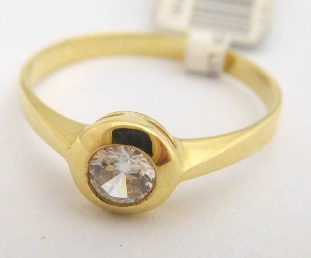 Zásnubní zlatý prsten ze žlutého zlata 585/1,27gr vel. 51 5011093 (5011093 - POŠTOVNÉ ZDARMA!!)