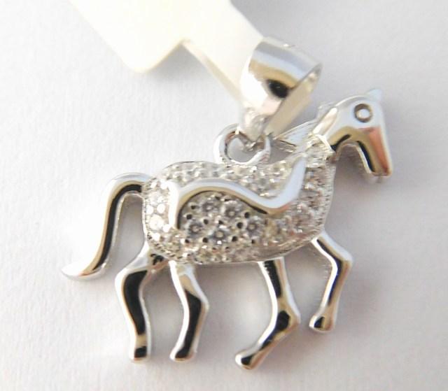 Stříbrný přívěšek koně se zirkony JMAD0003SP00