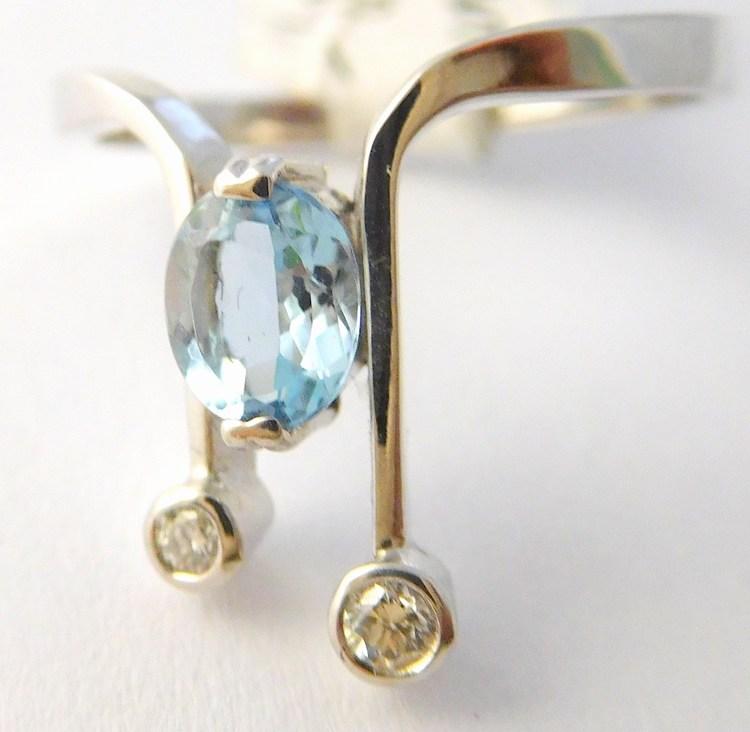 Diamantový prsten z bílého zlata s modrým akvamarínem vel.56 585/2,25gr J-16620