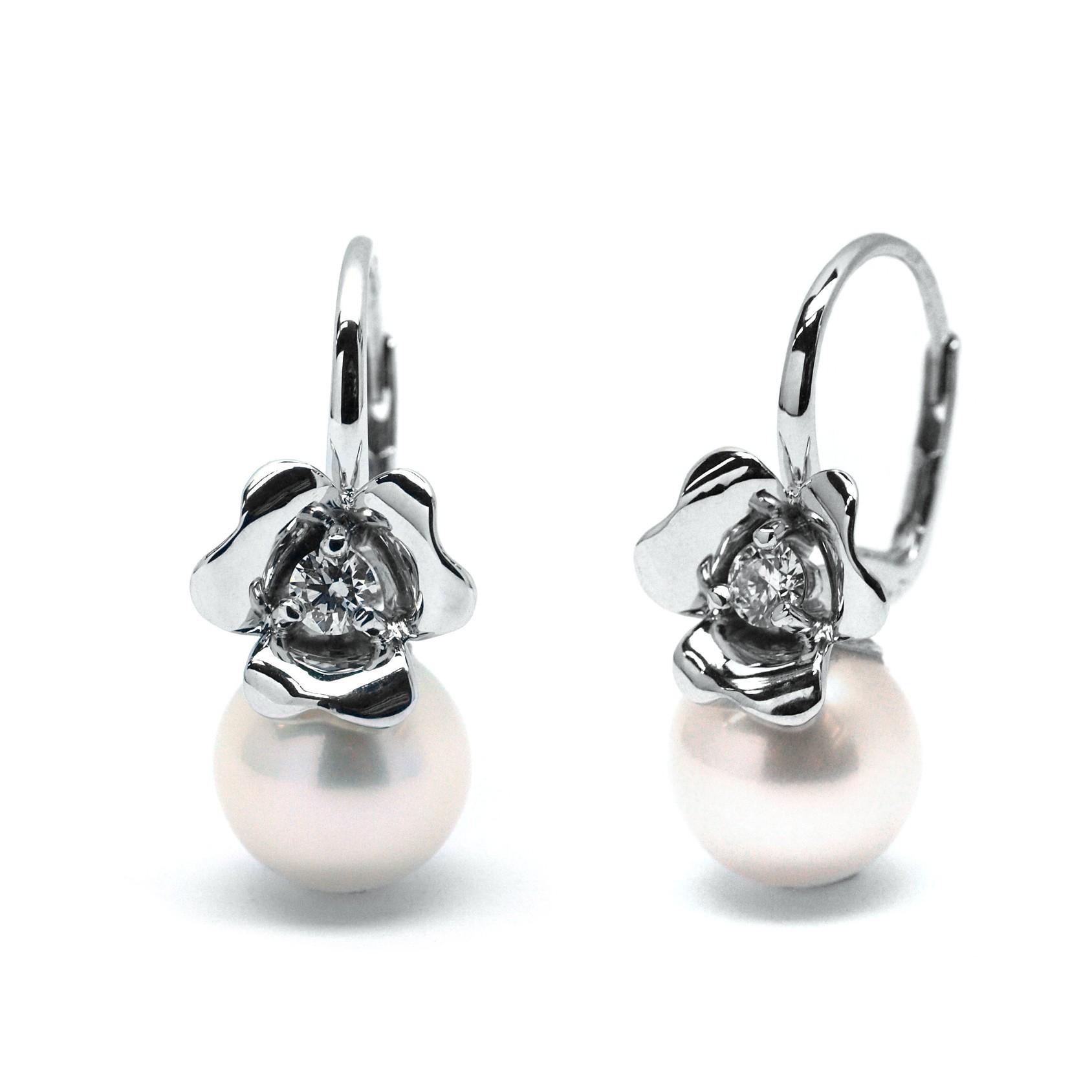 Ručně vyrobené náušnice květ z bílého zlata se sladkovodní perlou J-29813-18 (J-29813-18 - POŠTOVNÉ ZDARMA!!)