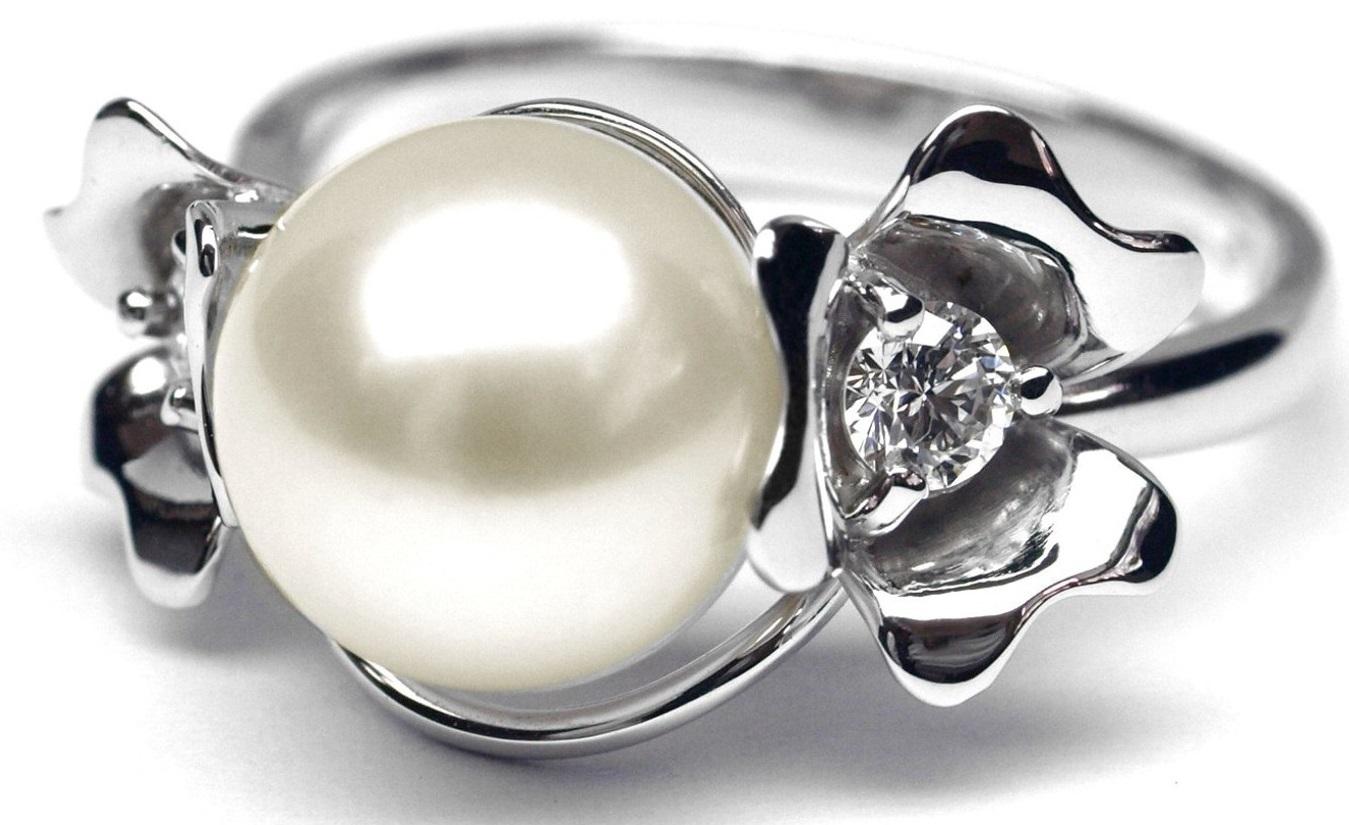 Ručně vyrobený prsten květ z bílého zlata se sladk. perlou a diamanty J-28491-17