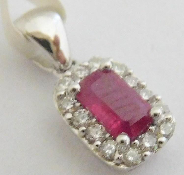 Zlatý diamantový přívěsek z bílého zlata s brilianty a červeným přírodním  rubínem 585 0 dbde6a71180