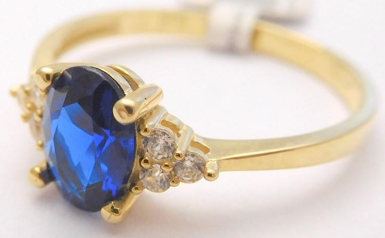 Mohutný zásnubní zlatý prsten se zirkony a velkým modrým safírem 585/1,67gr vel. 55 1810370 (POŠTOVNÉ ZDARMA!!)