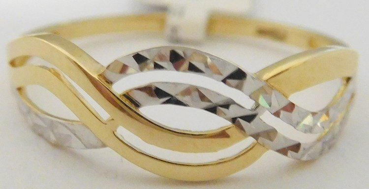 1cd458e58 Mohutný gravírovaný zlatý prsten z bílého a žlutého zlata 585/1,37gr vel.