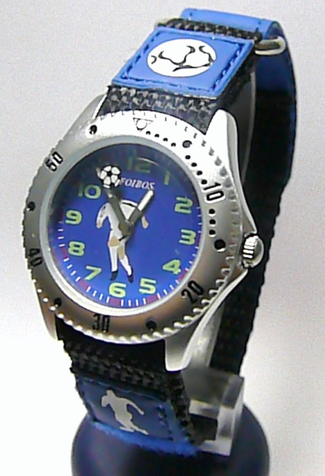 Moderní dětské modré textilní náramkové hodinky s fotbalistou zn. Foibos 2788.2