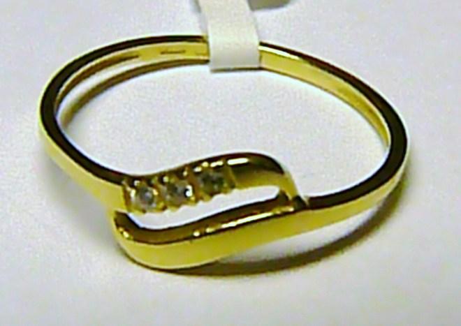 Dámský zlatý prstýnek ze žlutého zlata se zirkony vel. 55 585/1,05 gr S032