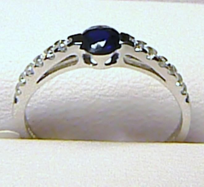 Zásnubní zlatý prsten z bílého zlata s tmavým safírem vel. 54/1,27 gr P059