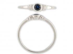 Prsten s diamantem, bílé zlato briliant, modrý tmavý safír (3861593-0-52-92)