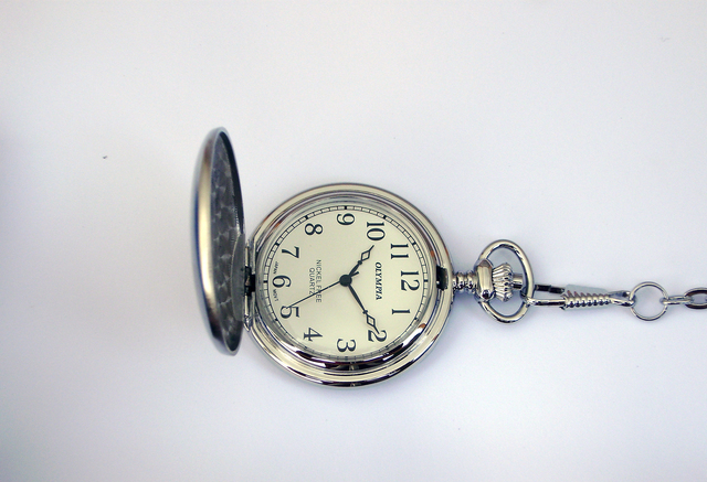 Stříbrné čitelné Olympia kapesní hodinky 30422