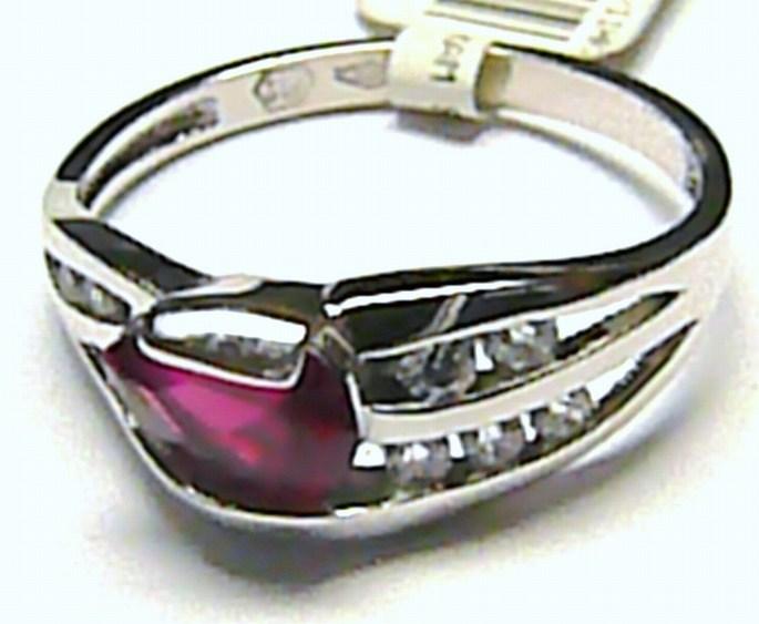 Mohutný dámský prsten z bílého zlata se zirkony a červeným rubínem vel.55 P159