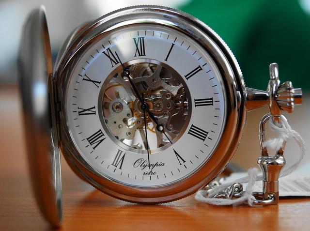 Kapesní hodinky Olympia 35034 s mechanickým strojkem s natahováním (POŠTOVNÉ ZDARMA!!)