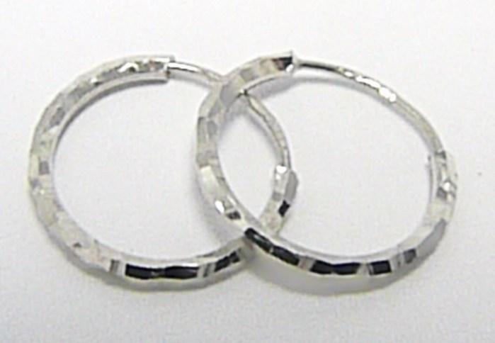 Zlaté kruhy z bílého zlata s gravírováním585/0,57gr průměr 12mm 2383057