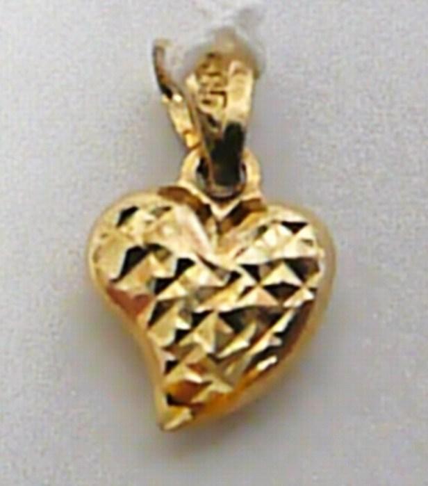 Hezké zlaté srdíčko s gravírováním - přívěsek 585/0,37gr H326