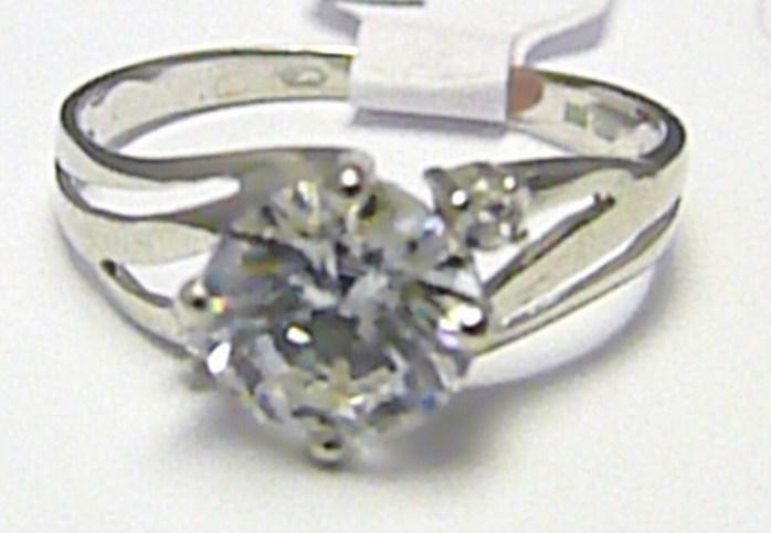 Mohutný zásnubní velký prsten s centrálním zirkonem 585/1,90 gr vel. 52 H351