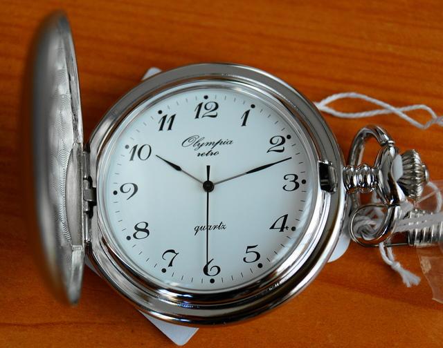 Luxusní stříbrné kapesní hodinky Olympia 30423 na řetízku - retro ... f30b263775