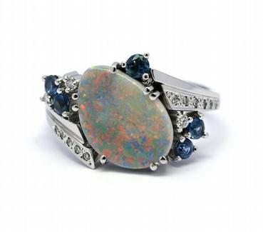 Diamantový prsten s opály a modrými safíry 585/5,25 gr J-22135-13 POŠTOVNÉ ZDARMA!