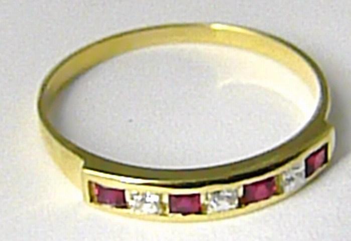 Dámský mohutný zlatý prsten s červenými rubíny vel. 57 585/1,78 gr Z082