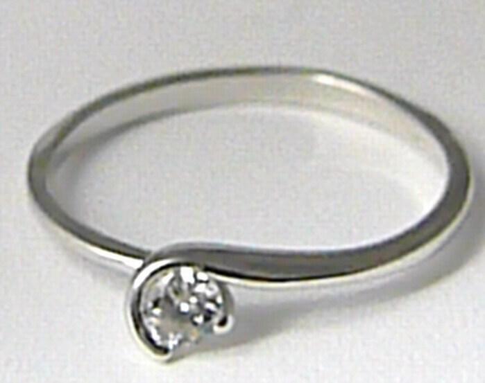 Zlatý zásnubní prsten z bílého zlata se zirkonem vel. 52 585/1,26 gr Z085 POŠTOVNÉ ZDARMA! (323041315)