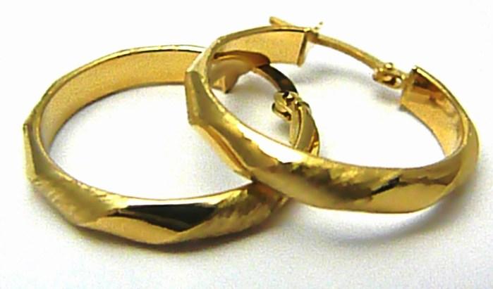 Mohutné velké zlaté kruhy s lesklou a matovanou úpravou pr. 2,3cm 585/1,50g H490