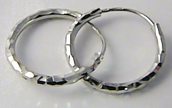 Dámské zlaté kruhy z bílého zlata s gravírováním 15mm 585/1,0gr P454