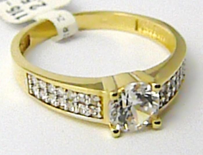 Mohutný zlatý zásnubní prsten se zirkony a centrálním zirk. 585/2,5g vel.57 P490 POŠTOVNÉ ZDARMA! (1150602)