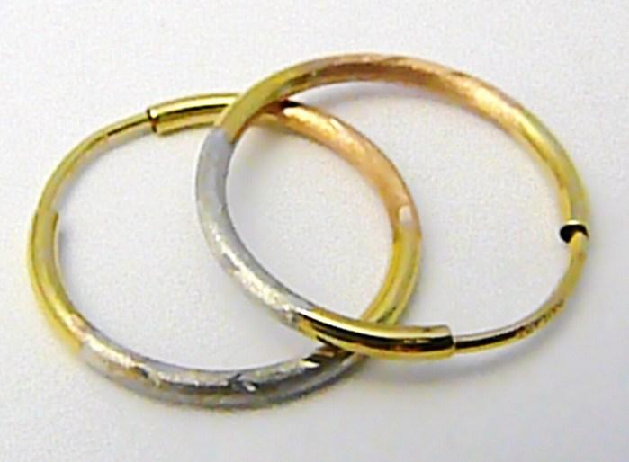 Dámské zlaté kruhy s gravírováním z trojího zlata 18mm 585/0,65gr P500