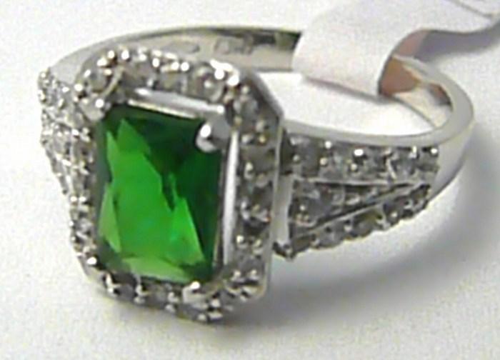 Mohutný prsten z bílého zlata s velkým zeleným smaragdem 585/3,33gr vel.55 H678