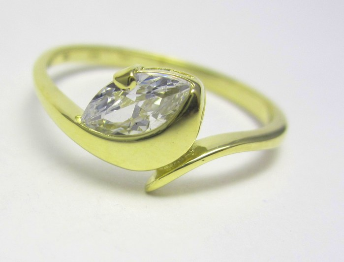 Zlate Zasnubni Prstynky Velky Elegantni Zlaty Prsten S Velkym