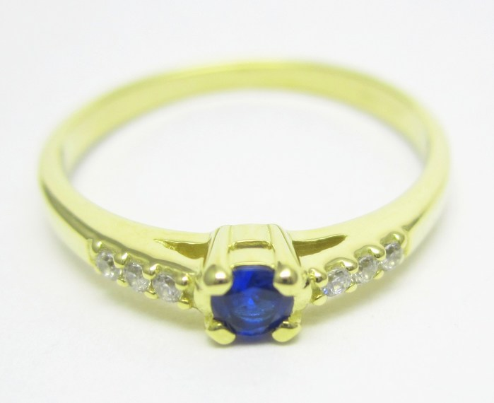 Elegantní zlatý prsten s modrým safírem (i zásnubní) vel.51 1,67gr Z137 POŠTOVNÉ ZDARMA!! (226041102)