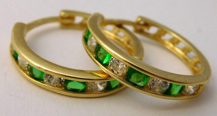 Velké zlaté kruhy se smaragdy a zirkony pr. 15mm 585/2,00gr 2230185