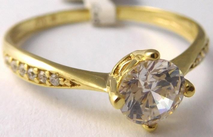 Mohutný zásnubní zlatý prsten se zirkony 585 1 cdfe0c18b89