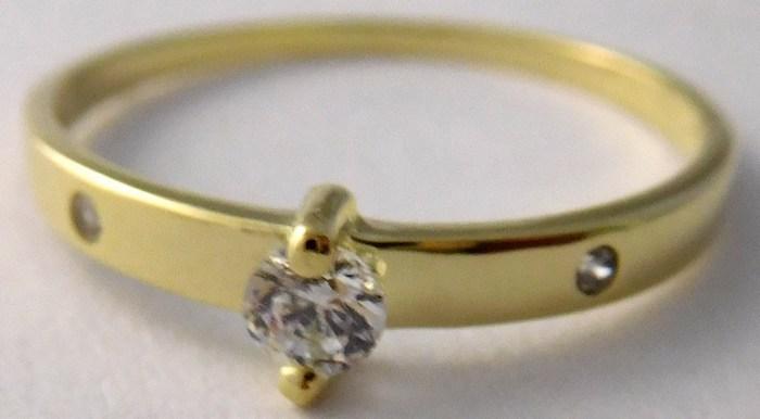 Zásnubní zlatý prsten s centrálním zirkonem 585/1,08gr vel.51 223041301 (223041301 - POŠTOVNÉ ZDARMA!!)