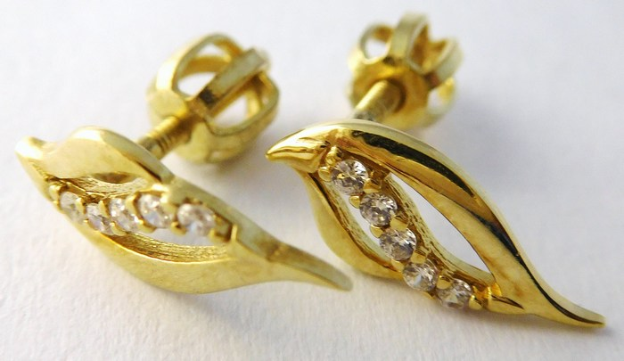Gravírované zlaté náušnice - na šroubek 585/1,35gr T222
