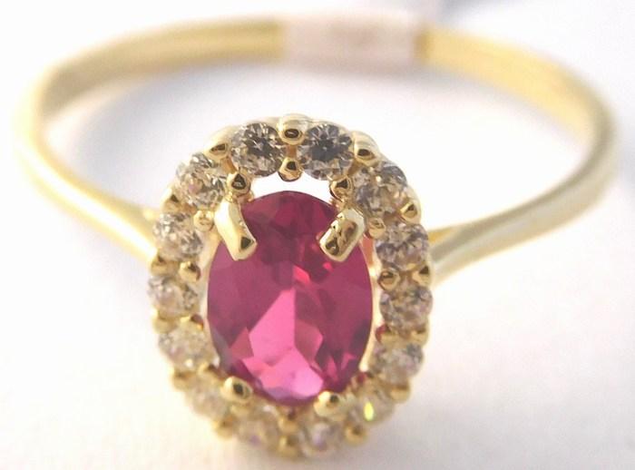 Zlatý prsten s obrovským červeným rubínem a zirkony vel. 55 585/1,44gr H752 (POŠTOVNÉ ZDARMA!!)