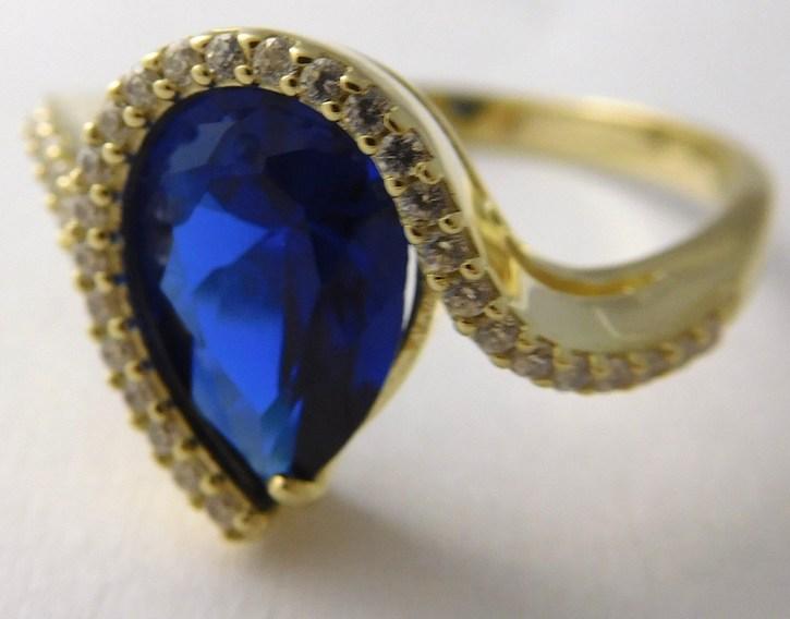 Luxusní mohutný prsten s modrým safírem 585/3,88gr vel.57 226041115 (226041115 - POŠTOVNÉ ZDARMA)