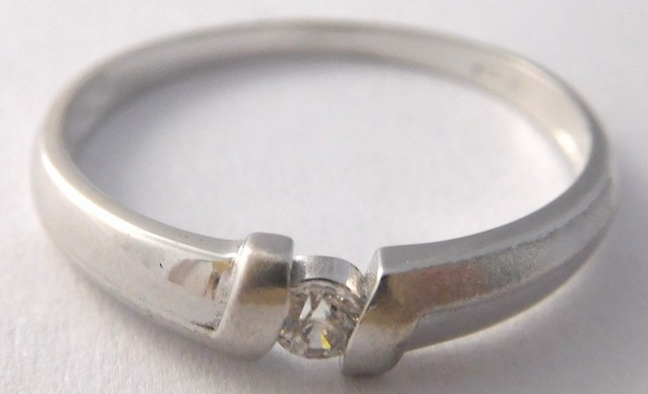 Zlatý zásnubní prstýnek z bílého zlata se zirkonem 585/1,48gr vel.56 323041296 (323041296 - DOPRAVA ZDARMA)