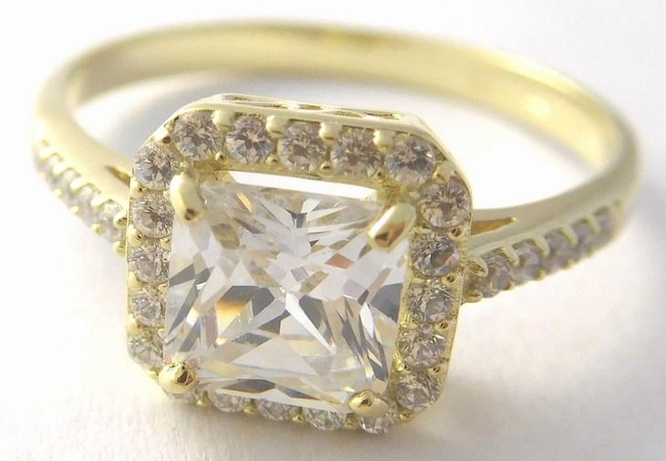 Mohutný zásnubní zlatý prsten s velkým zirkonem 585/3,38gr vel.61 226041119 (226041119 - DOPRAVA ZDARMA)