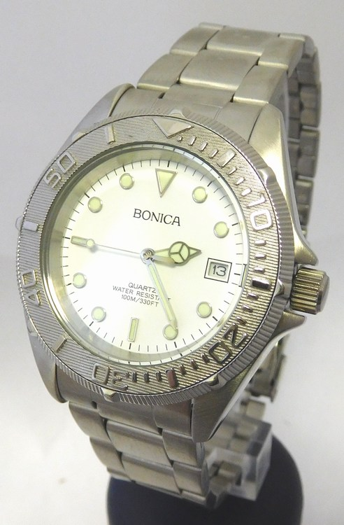 8ed1a42db3d Pánské vodotěsné ocelové hodinky Bonica 1459 s fosforeskujícími prvky (1187)