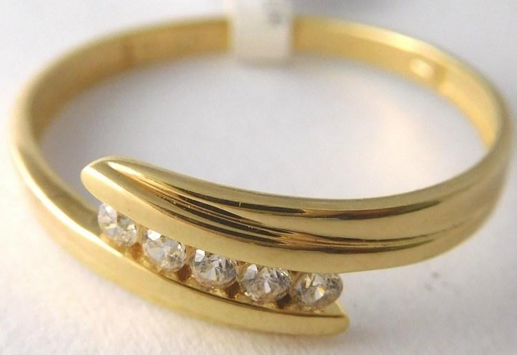 Dámský zlatý prsten se zirkony 5ks 585/1,60gr vel. 62 1211349 (1211349 - POŠTOVNÉ ZDARMA)