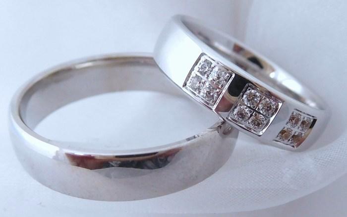 Luxusní zlaté snubní prsteny Couple 585/1000 s diamanty 5P4 (5P4)