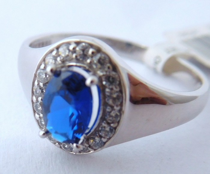 Prsten z bílého zlata se safírem 585/2,30 g vel.53, 1850806