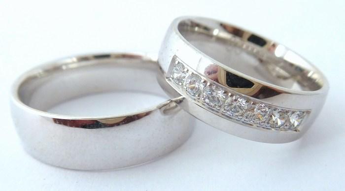 Exkluzivní zlaté snubní prsteny Couple 585/1000 s diamanty 65P1 (65P1)