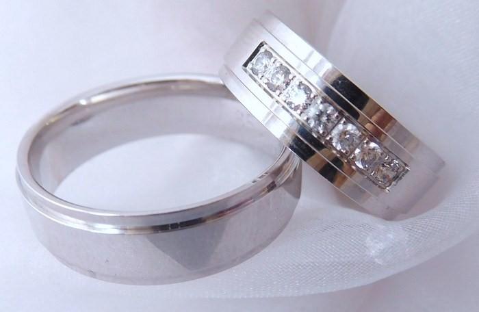 Exkluzivní zlaté snubní prsteny Couple 585/1000 s diamanty 65D1 (65D1)