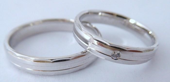 Elegantní stříbrné snubní prsteny Couple 925/1000 4N18 (4N18)